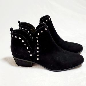NWOT Circus by Sam Edelman Black Studded Bootie